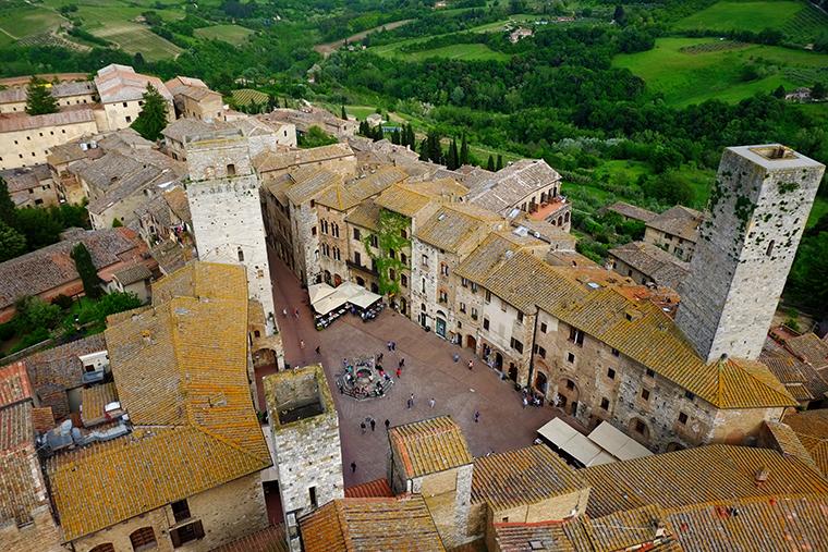 San Gimignano Piazza Erbe dall'alto
