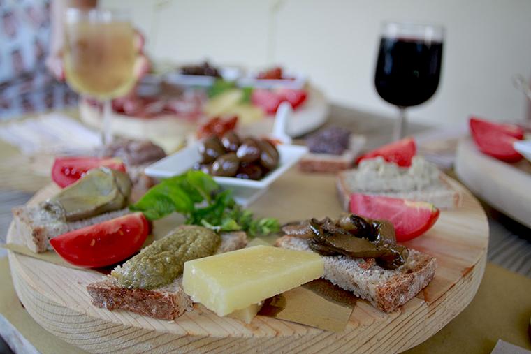 Mediterranea Belfiore tagliere di formaggi e crostini