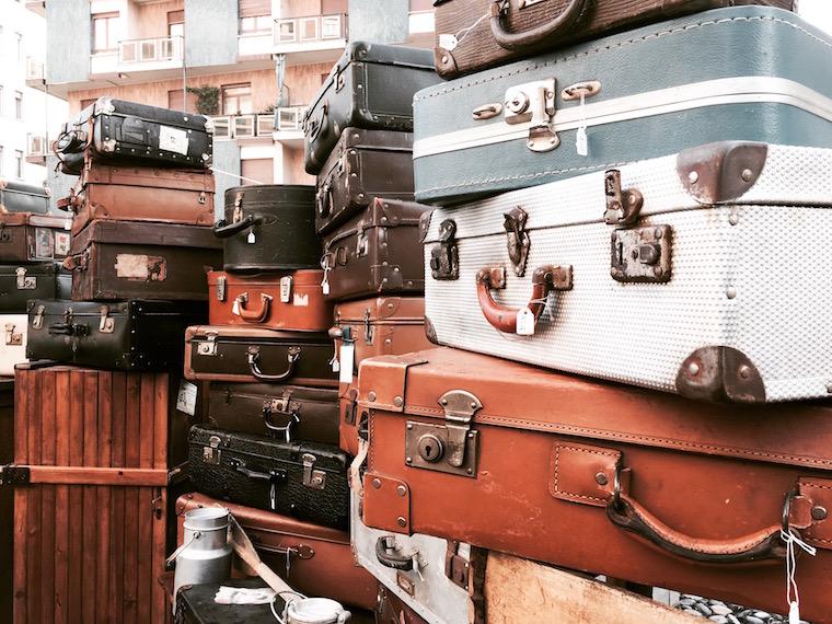 Torino mercatino Gran Balon valigie vintage