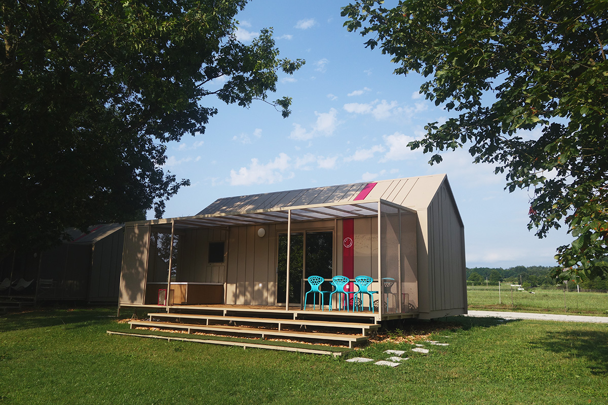 Big Berry Glamping bungalow design