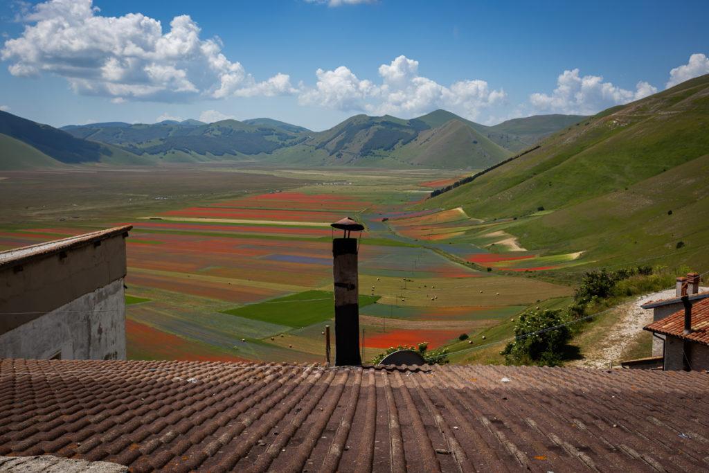 Il pian Grande visto dal paese di Castelluccio